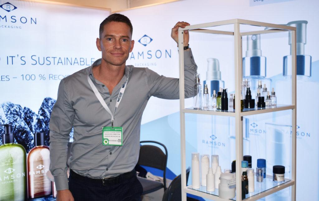 Ole Henrik Tronstad Grimsrud, vd på Ramson Packaging, hade montern full av hållbara förpackningar att visa för kunder.